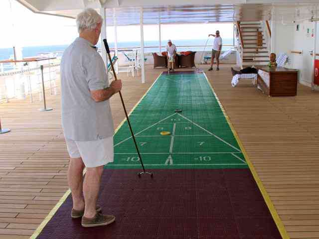 Shuffleboard Crystal World
