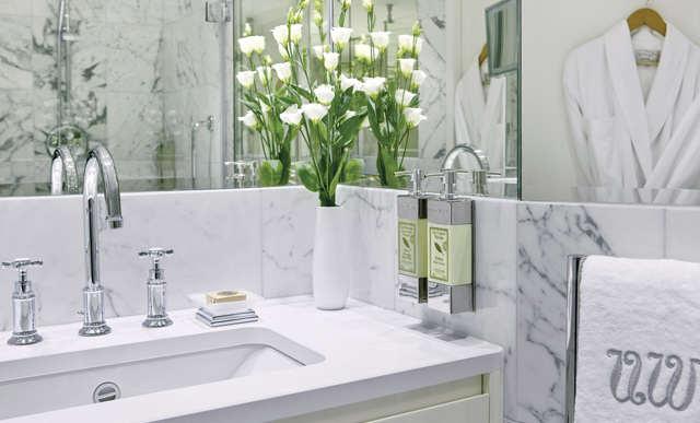 UW SC Bathroom 6206 3