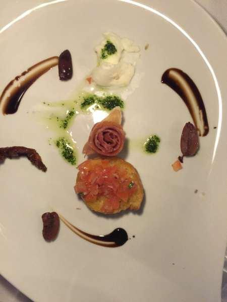 Prosciutto, Buffalo Mozzarella, Marinated Olives and Sun-Dried Tomatoes at Portobello restaurant. © 2015 Ralph Grizzle