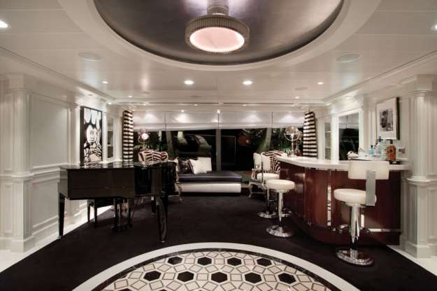 Owners Suite foyer. courtesy of Oceania Cruises