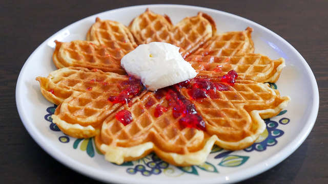 Norwegian waffles on Viking Star. © 2015 Ralph Grizzle