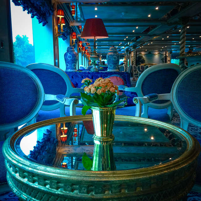 Lounge on Uniworld's S.S. Maria Theresa. © 2015 Ralph Grizzle