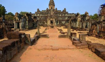 Angkor Wat Tour on the 2017 Grand World Voyage
