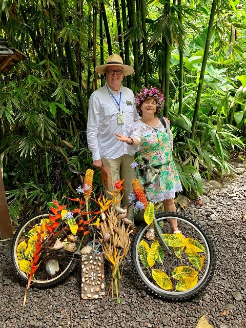 Voyage Host Tom Mullen and tour guide in Tahiti
