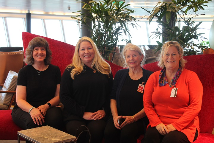 travel agents on cruise ship