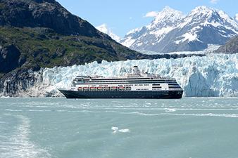 Cruising amongst the glaciers