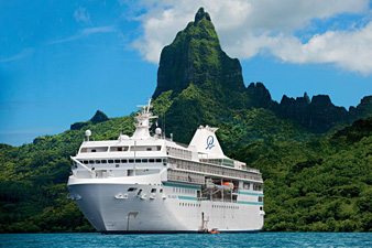 m/s <i>Paul Gauguin</i> at Bora Bora