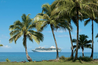 m/s <i>Paul Gauguin</i> in Fiji